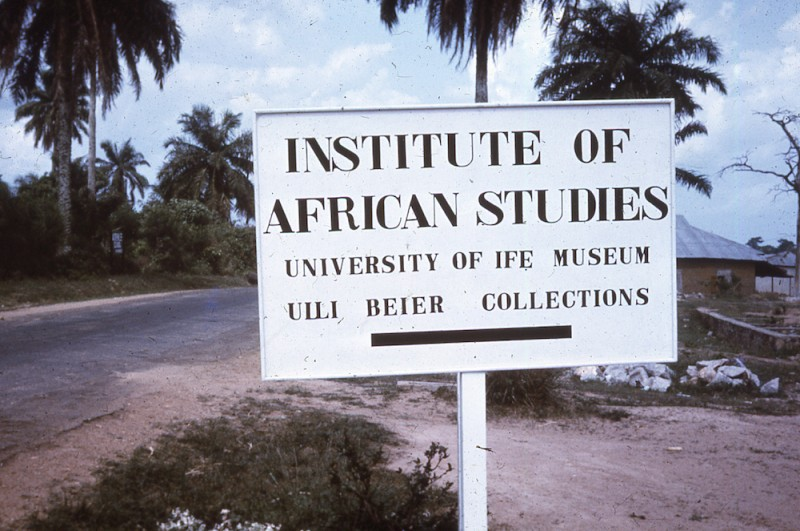 Ulli Beier Estate, Iwalewahaus, Bayreuth and Center for Black Culture and Understanding (CBCIU) Ulli Beier Collections, University of IFE NIGERIA, around 1960