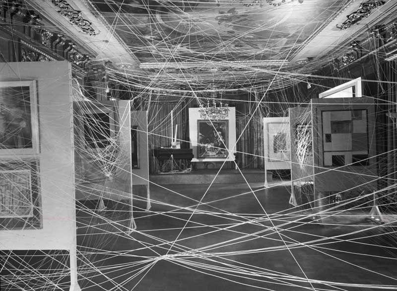 Marchel Duchamp String Installation, New York, 1942, wikicommons